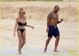 wendys thanksgiving hours wendy williams flaunts slim figure in a at the beach