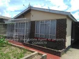 3 bedroom house for sale in mhungu zengeza 1 chitungwiza