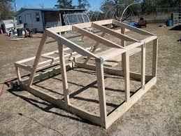 farrowing hut construction