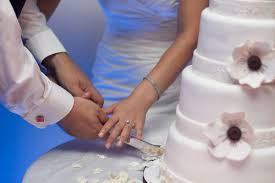 wedding cake cutting songs sweet songs for your cake cutting bridalguide