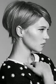 haircuts with flip behind the ear 12 tips to grow out your pixie like a model it keeps getting better