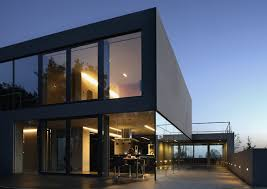 Hi Tech House Weekly Feature Aatrial House By Kwk Promes The Zinc Roof