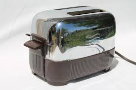 12 Slice Toaster 1950s Vintage Ge Two Slice Toaster Brown Bakelite U0026 Shiny Silver