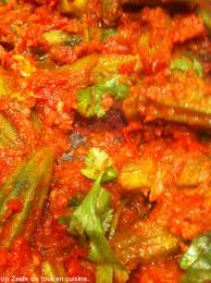 cuisiner le gombo bhindi bhaji recette indienne de gombos tomates coriandre et cumin