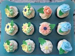decorated cupcakes ideas for a baby shower fondant flowers and