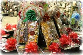 how to make gift baskets christmas gift baskets make a great gift for employees we do