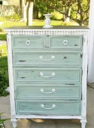 White Distressed Bedroom Furniture by 8 Tips For Distressing Furniture Distressed Furniture Blue