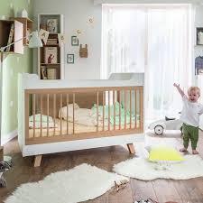 chambre de bébé design lit bébé design blanc naturel vox you un cocon pour bébé