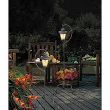 Bright Solar Landscape Lights Shedding Light On Solar Lighting Are They Bright Enough Solar Town