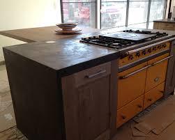 cuisine avec piano central cuisine sur mesure à brévin 44760 artisan