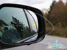 Blind Spot Alert Chrysler Town And Country 42 Safety Reasons To Love This Minivan