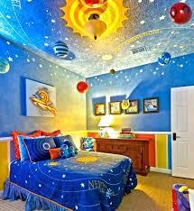 idee chambre petit garcon porte fenetre pour deco enfant garcon unique peinture chambre enfant