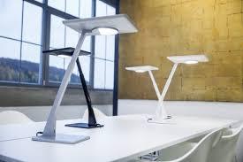 les de bureau led le luminaire bicult led révolutionne l éclairage de bureau enerzine