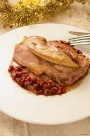 cuisiner les airelles suprêmes de pintade façon rossini sauce aux airelles au fil du thym