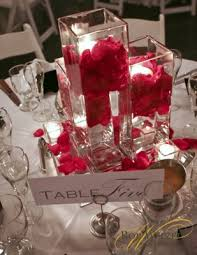 Centerpiece Vases Wholesale by Tulip Centerpiece Square Vase On Top Of Mirrors With Tea Lights