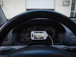porta iphone per auto un supporto da auto originale iphone italia