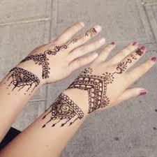 trending minimal new bridal mehndi design ideas for this wedding