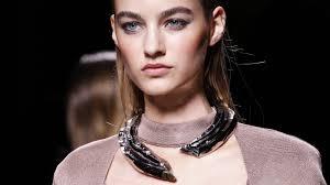 Beauty Garde Avant Garde Accessories Ruled The Runway At Paris Fashion Week