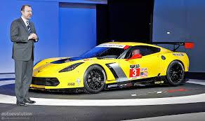 corvette racing live 2014 corvette c7 r breaks cover in detroit promises more track