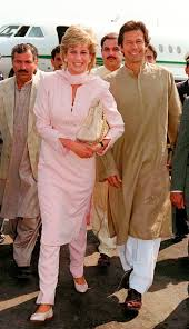 diana on a visit to pakistan in 1996 she is walking with imran