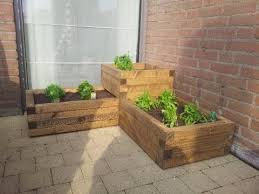 How To Build A Cheap Patio Build A Cheap And Easy Wooden Planter Box Youtube