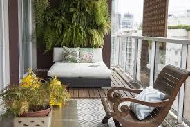 balkon design rumah minimalis modern