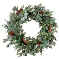 wreaths pre lit traditional