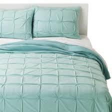 turquoise quilted coverlet 127 best bed dressing images on pinterest bed dressing