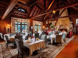 Ahwahnee Dining Room Pictures by 10 Hotels With Fireplaces To Help You Escape The Cold This Winter