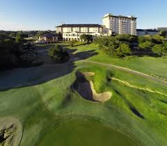the best lake travis hotels