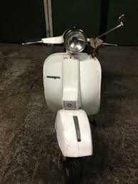 modern vespa lets talk about p150s