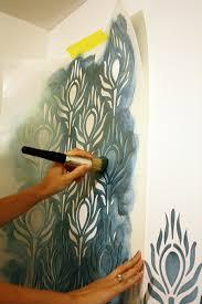 pochoir mural chambre le pochoir mural 35 idées créatives pour l intérieur archzine fr