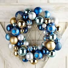 16 best hanukkah decorations for 2017 menorah candles hanukkah