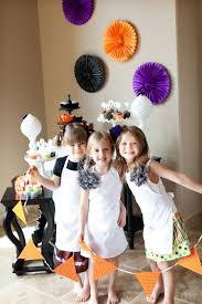 halloween cupcake party for kids the tomkat studio blog