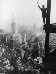 incredible pictures of new york skyscraper construction workers