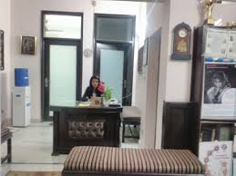 Latest Double Bed Designs In Kirti Nagar Gynaecologists In Kirti Nagar Delhi Book Instant Appointment