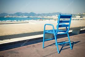 chaises cann es chaise bleue sur la croisette cannes français d azur