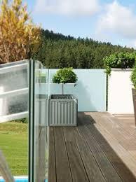 balkon wetterschutz terrassen schiebetüren balkon windschutz und wetterschutz aus