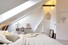 schlafzimmer gemütlich gestalten schlafzimmer mit schräge einrichten gut auf moderne deko ideen