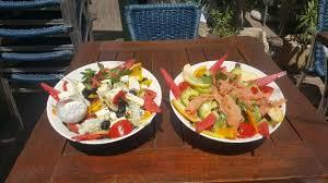 avocat cuisine salade avocat saumon et salade feta picture of chez palavas