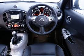 nissan juke yellow interior nissan juke personalised yellow interior accents colour