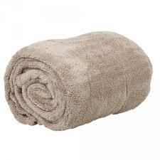 plaid taupe pour canapé plaid taupe linge de lit linge maison literie gifi