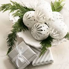 store decorations