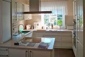 vorhänge für küche küchengardinen 18 design ideen für ein gemütliches ambiente