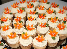 tropical themed wedding themed wedding cupcakes