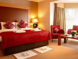 28 light brown paint color bedroom bedroom with brown walls