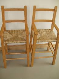 a vendre 2 belles chaises hautes en bois pour enfants forum