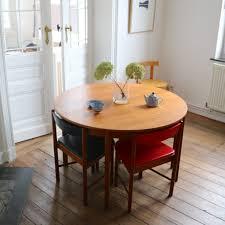 table ronde et chaises table ronde extensible et chaises intégrées la maison bruxelloise