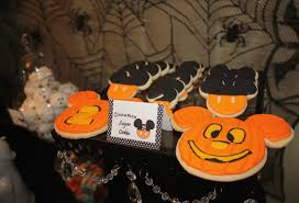 sweet eats cakes owen u0027s not so scary mickey mouse halloween birthday