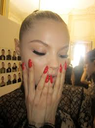 how to get the perfect louboutin red manicure disneyrollergirl